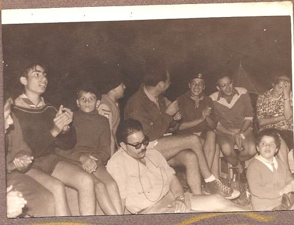 Feu de Camp avec Rolland et les Generations EI...futurs cadres et peres de Famille