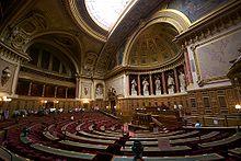 220px-L'hémicycle_du_Sénat_français_en_septembre_2009